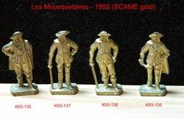 Kinder Métal 1992 : Série Complète Les Mousquetaires Français - 1670  (SCAME Gold) (4 Figurines) - Metal Figurines
