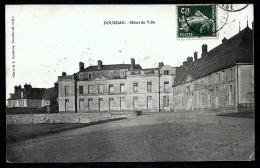 CPA ANCIENNE- FRANCE- DOURDAN (91)- L'HOTEL DE VILLE EN TRES GROS PLAN - Dourdan
