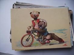Two Bears And A Bike - Geklede Dieren