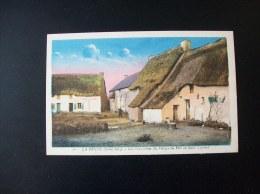 Carte Postale Ancienne De Saint-Lyphard: Les Chaumières Du Village Du Pélo - Saint-Lyphard