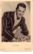 VENDO N.1 CARTOLINA DELL'ATTORE CINEMATOGRAFICOGARY GRANT,FORMATO PICCOLO DEL 1920 CIRCA VIAGGIATA IN BUSTA - Attori