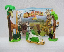 Kinder 2009 : Madagascar 2 : Les 3 Pingouins - Marty Le Zébre – Melman La Girafe Avec Un BPZ (3 Figurines) - Dessins Animés