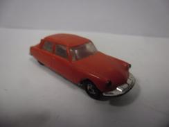 VINTAGE CITROEN DS 19 Couleur Rouge Vermillon Marque Micro Miniatures De NOREV 1/86 ° 1/87 ° France - Echelle 1:87