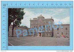 """Trois-Rivieres Quebec ( Le Monastère """"Les Missionnaires Oblats De Marie Immaculée"""", Postcard Carte Postale  ) 2 Scans - Trois-Rivières"""