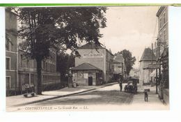 CPA-88-1907-CONTREXEVILLE-LA GRANDE RUE-ANIMEE-1 PERSONNAGE-1 CHIEN-1 AUTO-MAGASINS-HOTEL DES SOURCES-DUPONT-DIDELOT- - Vittel Contrexeville