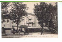 CPA-88-1907-CONTREXEVILLE-HOTEL DES DOUZE APOTRES-ANIMEE-PERSONNAGES-1 VESPASIENNE-MAGASINS-TABACS-PHARMACIE- - Vittel Contrexeville