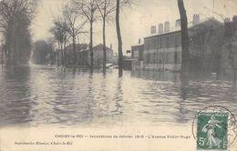 CPA 94 CHOISY LE ROI AVENUE VICTOR HUGO INONDATIONS DE JANVIER 1910 - Choisy Le Roi