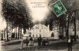 ILE BOUCHARD LA MAIRIE ET ECOLE COMMUNALE - L'Île-Bouchard