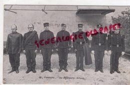 METIERS- POMPIERS - LES DIFFERENTES TENUES - Sapeurs-Pompiers