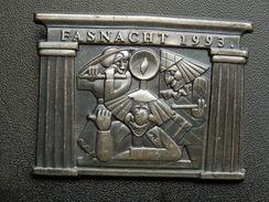 Broche -  CARNAVAL DE BALE  Suisse - FASNACHT 1993 - Argent - Carnaval