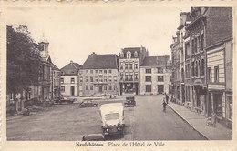 Neufchâteau - Place De L'Hôtel De Ville (animation, Oldtimer) - Neufchâteau