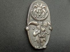 Broche -  CARNAVAL DE BALE  Suisse - FASNACHT 1985 - Argent - Jetons & Médailles