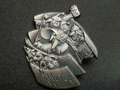 Broche -  CARNAVAL DE BALE  Suisse - FASNACHT 1994 - Argent - Jetons & Médailles