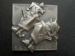 Broche -  CARNAVAL DE BALE  Suisse - FASNACHT 1997 - Argent - Jetons & Médailles