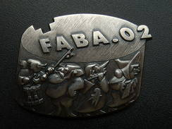 Broche -  CARNAVAL DE BALE  Suisse - FASNACHT 2002 - Argent - Jetons & Médailles