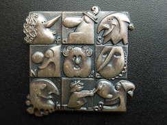 Broche -  CARNAVAL DE BALE  Suisse - FASNACHT 2009 - Argent - Jetons & Médailles