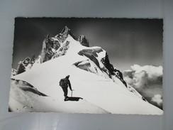 CPA PHOTO 74 CHAMONIX MONT BLANC  L'AIGUILLE DU MIDI TELEFERIQUE GUIDE - Chamonix-Mont-Blanc