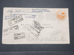 ETATS UNIS - Enveloppe En FM En 1945 Pour Un Soldat , Redirigée Plusieurs Fois- L 9427 - Poststempel