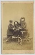 CDV Circa 1865 Ghémar Frères à Bruxelles. Les Enfants De Léopold II, Roi Des Belges. Louise, Léopold Et Stéphanie. - Photographs
