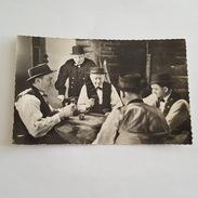 Jeu De Cartes - Partie De Belote Dans La Manche - Fumeur De Pipe - Costumes Normands - Folklore - Cartes à Jouer