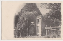 26251 BRASPARTS  (29) La Hutte De Maharit Coz, Penhoat-en-Brasparts -Ed Joncour N° 345 - Fileuse - France