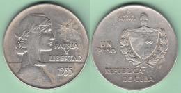 1935-MN-105 CUBA REPUBLICA UN PESO 1935. ABC REPUBLIC WOMAN SILVER 26.7gr. - Kuba