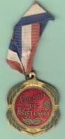 O423 CUBA CIRCA 1950. MEDALLA DE COLEGIO ESMALTADA. PREMIO ASISTENCIA 30 X 35 Mm. - Tokens & Medals
