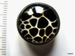 1 Bouton Pression Chunk à Clipser Noir Blanc Peau De Serpent 18mm Pour Trou De 5/6mm   Bouton Pression De Belle Qualité - Perles