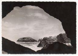 BELLE ISLE EN MER --- SAUZON---1952--La Grotte De L'Apothicairerie ,cpsm 15 X 10  N° 27 éd R.Missey - Belle Ile En Mer