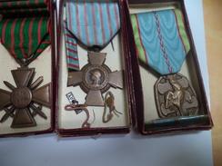 3 Médailles   Avec  Rappel  De Décoration    Dans  Boite - France