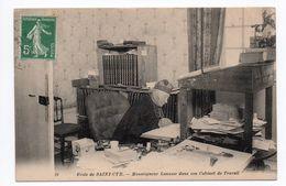 SAINT CYR (78) - MONSEIGNEUR LANUSSE DANS SON CABINET DE TRAVAIL - St. Cyr L'Ecole