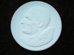 Meissen Porzellan Münze Der Heilige Stuhl (402) - [ 6] 1949-1990 : RDA - Rep. Dem. Alemana