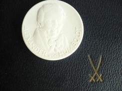 Meissen Porzellan Münze - Alexander Von Humboldt (405) - [ 6] 1949-1990 : RDA - Rep. Dem. Alemana