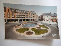CPA (61) - FLERS DE L'ORNE - PLACE CENTRALE ET ROUTE DE PARIS - PHOTO VERITABLE - BROMOCOLOR - R3223 - Flers