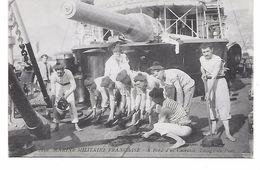 """14/18 TRES BELLE CARTE PHOTO BATEAUX MARINE DE GUERRE FRANCAISE  """"A BORD D'UN CUIRASSé/LAVAGE DU PONT"""" SUPERBE - War 1914-18"""