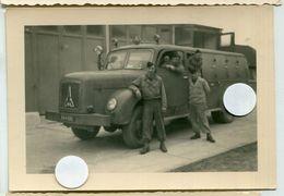 A Identifier  Camion Militaire Caserne Ww2 France - Guerre, Militaire