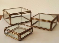 Ensemble De 3 Belles Boites à Bijoux Ancienne En Verre Et Laiton - Boxes