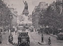 La Statue De La République, à Paris (75) - - France