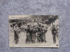 Cpa Croquis De Guerre 1914 Blessé Amené à L'ambulance à Dos De Mulet Et Descendu Avec Précaution Par Les Infirmiers - Oorlog 1914-18