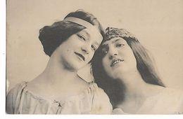 Tetes  Des 2  Belle  Femmes - Vrouwen