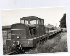 77 NANGIS Tracteur N° 1 Et Train De Wagons-plats Photo M.RIFAULT - Nangis
