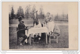 47) DURAS (Lot Et Garonne) Le Célèbre Docteur ROUHET,sa Jument CARMEN Et Son Chien BOB,à Table. - France
