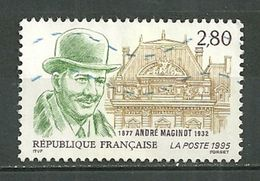 FRANCE Oblitéré 2966 André Maginot  Ministère De La Guerre - Gebraucht
