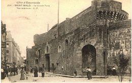 SAINT-MALO-LA GRANDE PORTE-VUE INTERIEURE TRES ANIMEE-EN 1919- - Saint Malo
