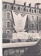Monument Aux Morts De L'Ecole Militaire D'Artillerie Et Des Régiments D'Artillerie Poitevins Inauguré Le 1 Er Mai 1971 - Reproductions