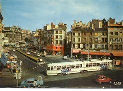 """Saint-Etienne Animée La Place Du Peuple Commerces Brasserie """"le Continental"""" Trolley-bus Voitures Pub """"Singer"""" - Saint Etienne"""