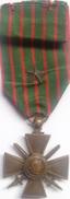 Medalla Cruz De Guerra. Ejército Francés. I Guerra Mundial. 1914-1918. - 1914-18