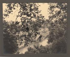 SUISSE - BERNE - -PHOTO AOUT 1951-16,5x13,5 Cms -COLLEE SUR CARTON NOIR - Lieux