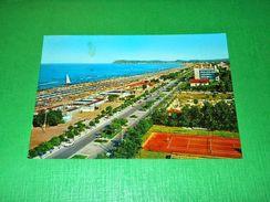 Cartolina Riccione - Lungomare E Spiaggia -- 1970 - Rimini