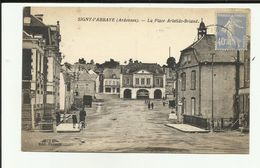 08 - Ardennes - Signy L'Abbaye - Place Aristide Briand - Animée  - Commerces - - France